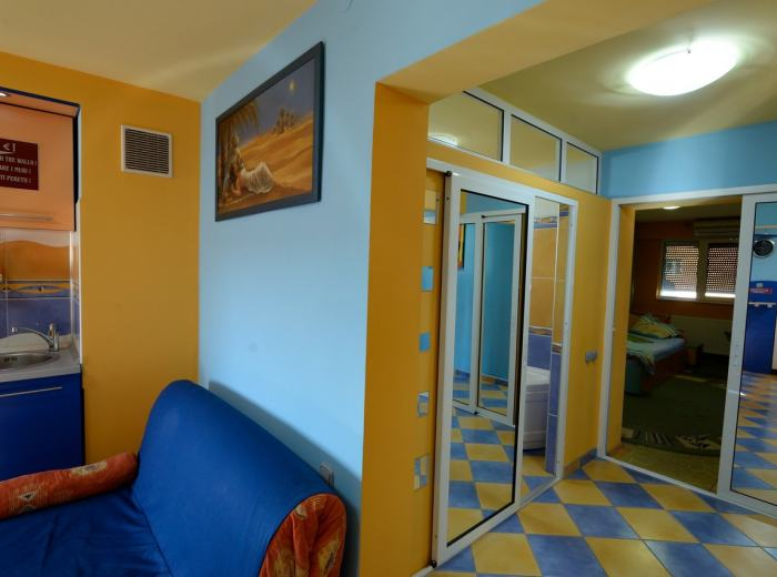 Holiday flat rentals Timisoara, recently renovated flat 1