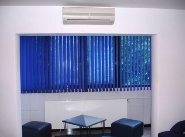 Short term bedroom apartment 4 rentals Timisoara, large and bright living room