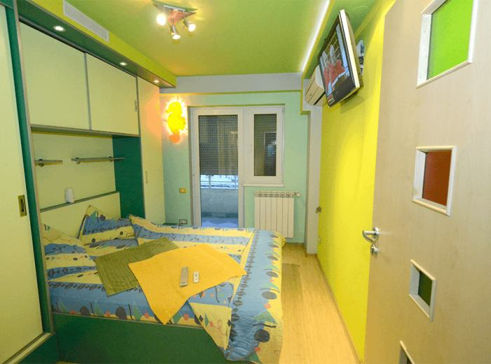 Holiday apartment 2 rentals in Timisoara, first bedroom, air conditioner, electrically operated rolls (D1)