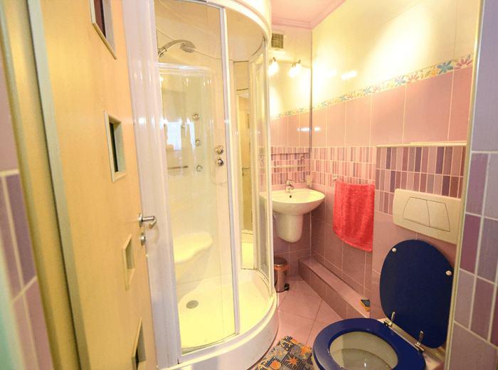 Short term apartment 2 with sauna in Timisoara, vibro massage