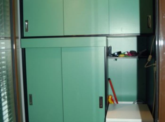 Central apartments short term in Timisoara, small vestibule with a washing machine