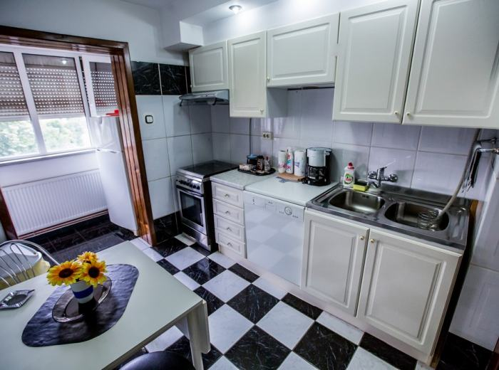 Vidican studio short term rentals Timisoara, full equipped kitchen