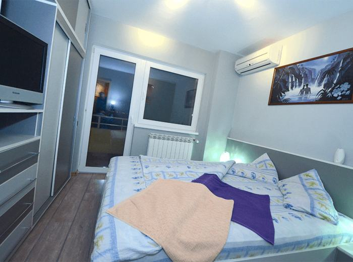 Vidican short term apartment 2 Timisoara, the third bedroom, electrically operated rolls (D3