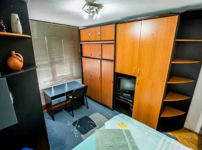 Studio flat 3 short term rentals Timisoara, satellite TV  and CD player in D2